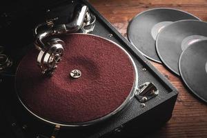 toca-discos retro portátil foto
