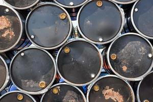 barris de óleo foto