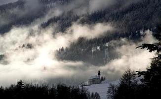 Kapelle im Schnee foto