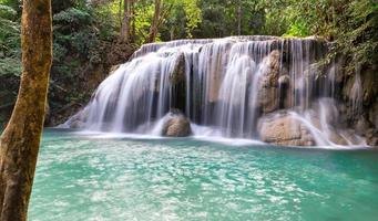 cachoeira erawan foto