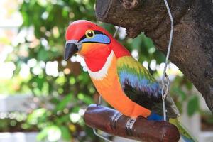 pássaro de madeira. foto