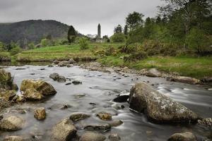 cidade monástica de Glendalough foto