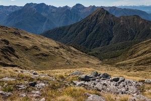 montanhas kepler no parque nacional de fiordland