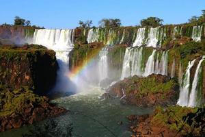 argentina - chutes d'iguazu, parc national d'iguazu, iguassu, arc en ciel