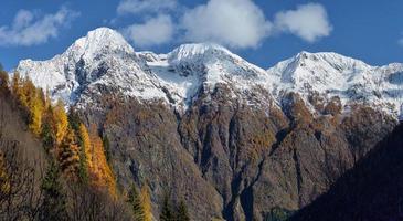 paisagem de outono nos Alpes foto