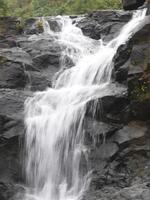 cachoeira durante a monção