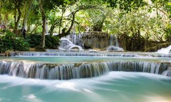 cachoeira sri de tad kwang, província de luang prabang, loa.