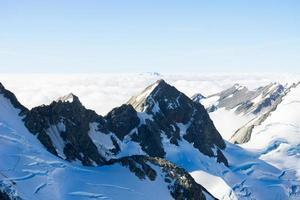 Montanhas nevadas foto