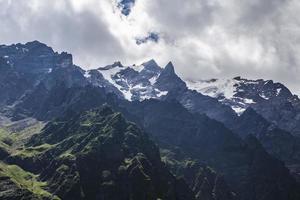 desfiladeiro tseyskoe. montanhas