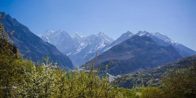 vale idílico da montanha foto