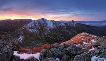 montanha tatra ao pôr do sol