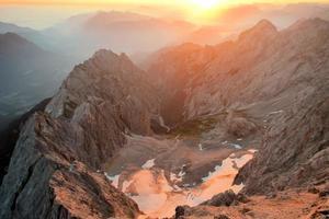 Zugspitze, pico da montanha mais alta dos Alpes alemães