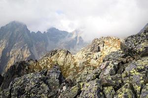 picos das montanhas em lomnicke sedlo