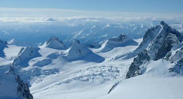 Alpes do cume de aiguille du midi