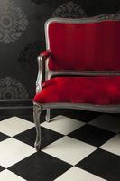 cadeira rústica vermelha