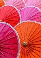 guarda-chuvas de bambu tailandês tradicional foto