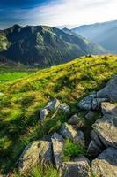 maravilhoso pôr do sol nas montanhas tatra no verão