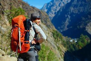 alpinista nas montanhas