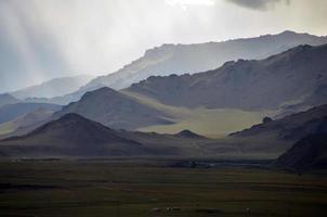 céu tempestuoso na Mongólia