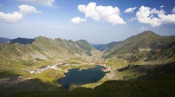 lago balea, montanhas de fagaras, romênia foto