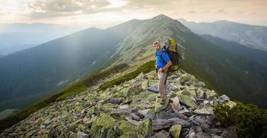 caminhadas nas montanhas dos Cárpatos foto