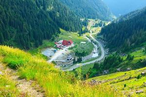 estrada da montanha transfagarasan, cárpatos romenos