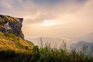 montanha em phucheefa, chiangrai, tailândia.