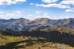 Picos de montanhas rochosas no Colorado foto