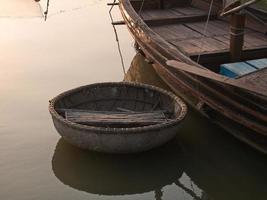 barco de bambu foto
