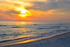 cena da praia do oceano - cidade do panamá, Flórida, EUA foto