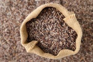 arroz integral na sacola foto