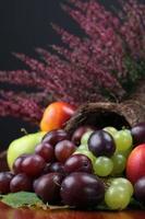 cornucópia de frutas foto