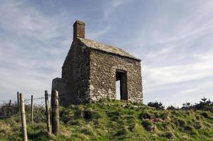 velha casa em ruínas foto