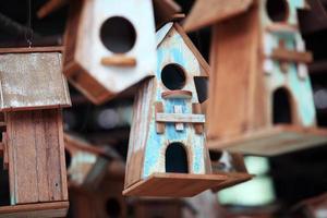 casa de passarinho de madeira vintage foto