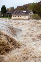 casa em perigo de inundações
