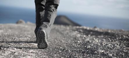 caminhada em fuerteventura em um vulcão