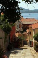 portoferraio - ruazinha no centro histórico foto
