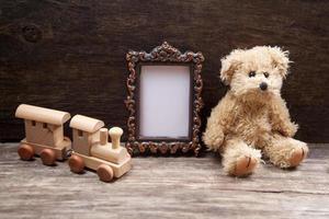 brinquedos vintage com moldura para foto