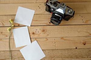 notas de papel ou fotogramas com câmera vintage