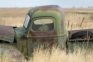 velho caminhão de fazenda foto