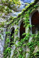 janelas do mosteiro foto