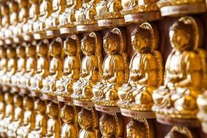estátuas de Buda no templo