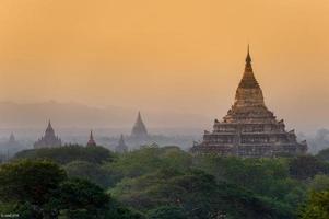 wat shwesandaw bagan, myanmar