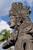 estátua balinesa