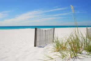 linda praia vazia