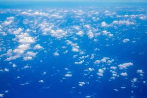 fundo aéreo do céu e nuvens