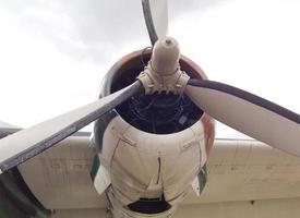 hélice do antigo avião de transporte da força aérea