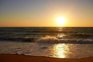 pôr do sol na praia