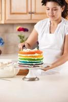 bolo arco-íris: chef glacê glacê camadas coloridas sobremesa