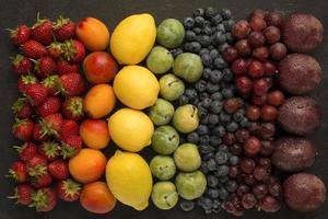 arco-íris de frutas foto